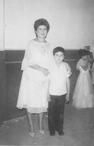 19082018 Osvaldo Neri con su mamá, Ramona Elsa, hace varias décadas.