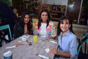 20082018 Lupita, Claudia y Andrea.