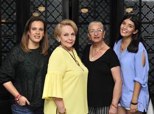 20082018 CELEBRA CUMPLEAñOS.  Raquel Ivonne de Acevedo con Raquel Acevedo, Silvia Ríos y Andrea Acevedo.