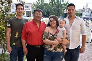 19082018 EN RECIENTE EVENTO.  Roberto, Roberto, Nataly, Michelle y Jorge.