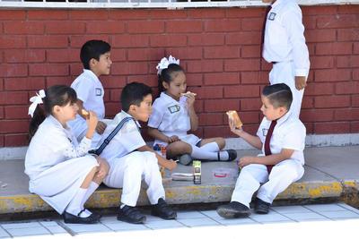 Regresaron a las aulas 204 mil 500 estudiantes de educación básica en la Región Lagunera de Coahuila, en sus turnos matutinos y vespertinos así como 9,800 docentes.