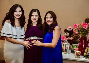 21082018 FIESTA DE CANASTILLA.  Lupita Ochoa acompañada de sus hermanas, Martha y Ana Laura Ochoa, en el baby shower que se le organizó recientemente.