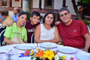 21082018 Alejandra, Gael, Raquel y Rolando.