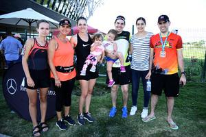21082018 EN TRIATLóN.  Úrsula, Alberto, Mariana, Bernardo, Ana Tere, Tere, Renata y Roberta.
