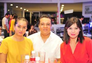 22082018 BRINDIS DE HONOR.  Sara, Armando y Karla.