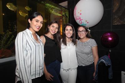 Nohemí, Ana, Mariana y Gema López.