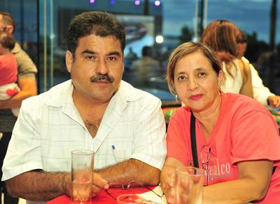 23082018 Raúl Silveyra y Adriana García.
