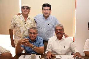 23082018 ENTRE AMIGOS.  Pepe Villavicencio, Chuy Aranzábal, Juan M. López y Francisco Javier Ibarreche.
