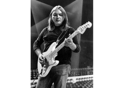 """King también fue miembro original del grupo psicodélico californiano Strawberry Alarm Clock, cuyo éxito de 1967, """"Incense and Peppermints"""", coescribió King."""