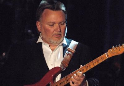 """King se unió a la banda en 1972 y tocó en sus primeros tres álbumes. Aparece en los créditos de varias canciones de Lynyrd Skynyrd, incluyendo """"Saturday Night Special"""" y """"Workin' for MCA"""", y su voz puede escucharse pronunciando el conteo de apertura de """"Sweet Home Alabama""""."""