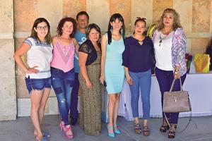 24082018 UN AñO MáS DE VIDA.  Hilda Romero en compañía de sus amigas.
