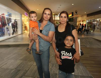 Familia Bernadac Quiñones.