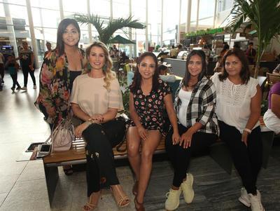 Alondra Castillo, Adriana Moreno, Jessica Casillas, Mónica Vargas y Angélica Martín del Campo.