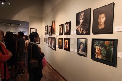 Aquellos que frecuentando el taller han logrado obtener selecciones, premios y distinciones en certámenes de pintura a distintos niveles.