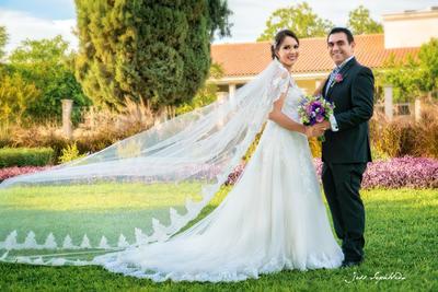 26082018 Lilia Patricia Castillo Álvarez se convirtió en la esposa de Jorge Arturo Váldes Castañeda la tarde del 18 de agosto en la Parroquia de San Felipe de Jesús. - Jess Sepúlveda
