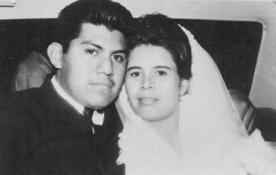 26082018 Gabino Arzate Pérez y esposa en 1963.