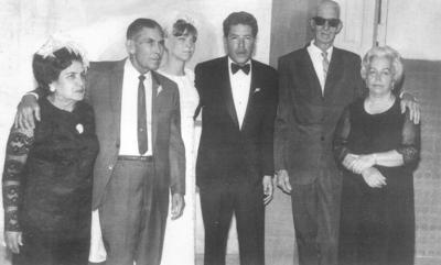 26082018 Ing. Manuel Robles Gurrola y Dolores Mathias Franco acompañados por sus padres, Manuel Robles Flores, María Carmen Gurrola Aldama, Óscar Mathias y Camen Franco de Mathias, en 1969.
