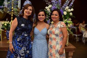 26082018 DESPIDE SU SOLTERíA.  Cynthia de la Garza en compañía de Laura Iglesias de Marcos y Sara Betancourt de De la Garza.