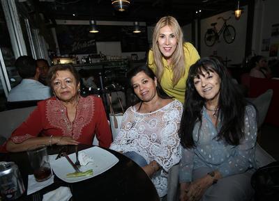 Luisa Zúñiga, Koko Pérez, Lilia Galindo y Graciela Mathus.