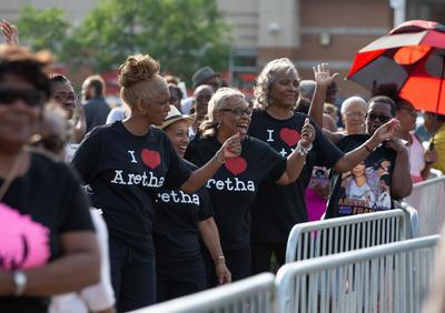 """Aretha Franklin revolucionó la música soul y alcanzó el éxito desde los años 60 con la casa productora Atlantic Records, con temas como """"I never loved a man"""", """"Chain of fools"""", """"Baby I love you"""", """"I say a little prayer"""", """"Think"""", """"The house that Jack Built""""."""
