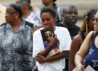 """Después de este evento religioso, que será transmitido por Internet y televisión, """"La reina del soul"""" será enterrada junto a su padre y otros miembros de su familia en el cementerio de Woodlawn, en Detroit, Michigan. Para el 14 de noviembre está planeado, además, un tributo musical."""
