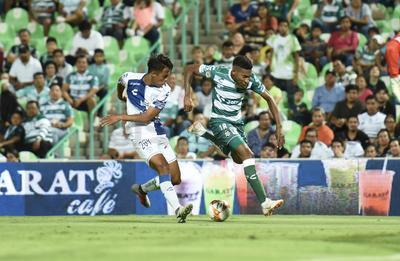 Una jugada anulada negó el gol de Ayrton Preciado para Santos Laguna.