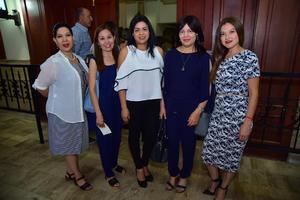 30082018 ASISTEN A CONCIERTO.  María Luisa, Ariadne, Verónica, Magda y Mary.