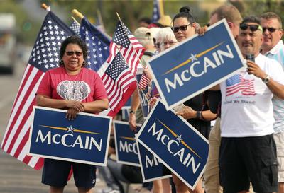 Despiden en Arizona a John McCain como un 'héroe'