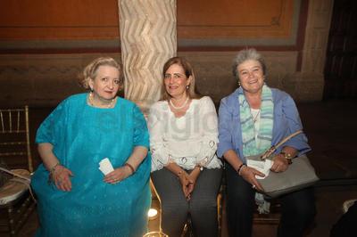 Cándida, Beatriz y Lorena.