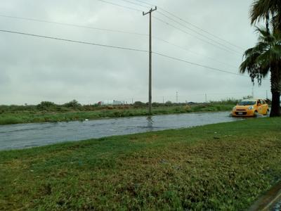 Los conductores atestiguaron los efectos de las lluvias.
