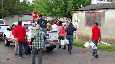La entrega de los apoyos se realizó a los ciudadanos que tuvieron afectaciones en su domicilio.