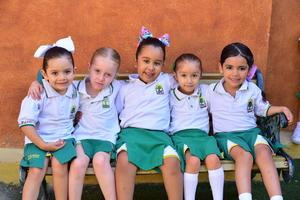 01092018 Kris, Sofía, Farah, Katia y Julie.