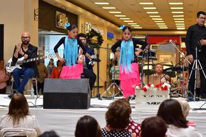 01092018 Los asistentes disfrutaron un gran espectáculo.