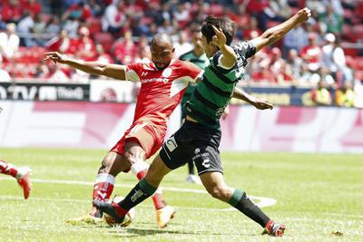 El brasileño William anotó el primer gol de Toluca.