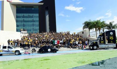 Nuevamente la foto fue en la Plaza Mayor de Torreón.