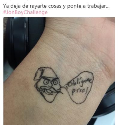 Con memes critican tatuajes de hijas de Peña Nieto
