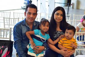 03092018 Diego, Martha, Naydi y Mateo.