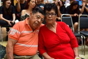 03092018 EN EL MALL.  Rafael e Isabel.