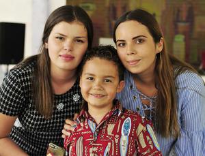 04092018 EN FIESTA DE CUMPLEAñOS.  Paulina, Paquito y Gaby.