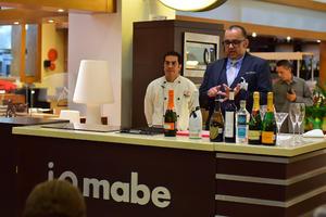05092018 Los reconocidos chefs dieron útiles consejos a las asistentes.