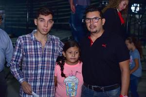 05092018 Enrique, Samantha y Carlos.