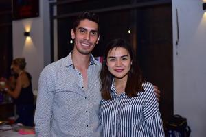 06092018 MUY CONTENTOS.  Víctor y Susana.