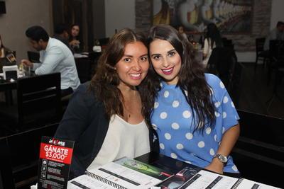 Claudia Reyes y Marcela Escobar.
