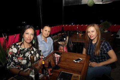Veronica Peña, Paola Castill y Erica Bravo.