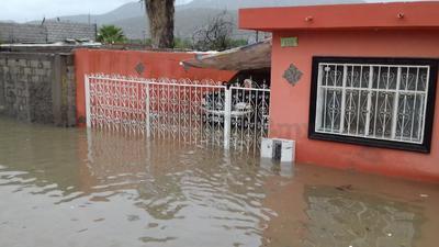 El agua ingresó a las viviendas.