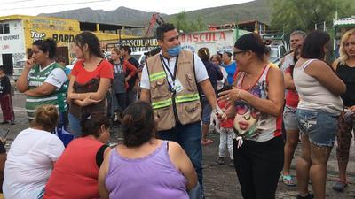 En unidades móviles se brinda atención médica a los damnificados en la colonia Santiago Ramírez.