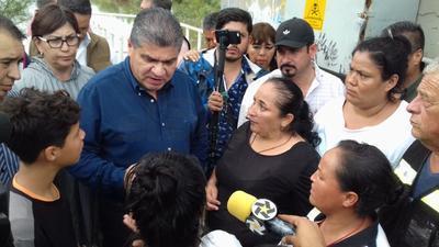 Miguel Riquelme, en su visita a la colonia Santiago Ramirez.