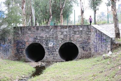 """Los """"túneles"""" del parque son también un riesgo, pues hay quienes ingresan a realizar actividades irregulares. ("""