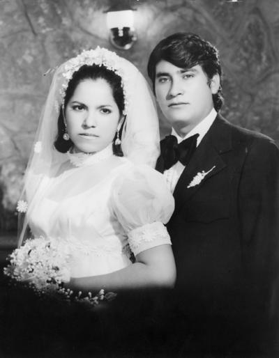09092018 Irma Burciaga Flores y Ricardo Torres Méndez el día de su boda el 23 de julio de 1973, hace 45 años.