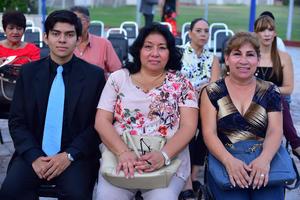 09092018 EN RECIENTE EVENTO.  Alejandro, Alejandra y Ángeles.